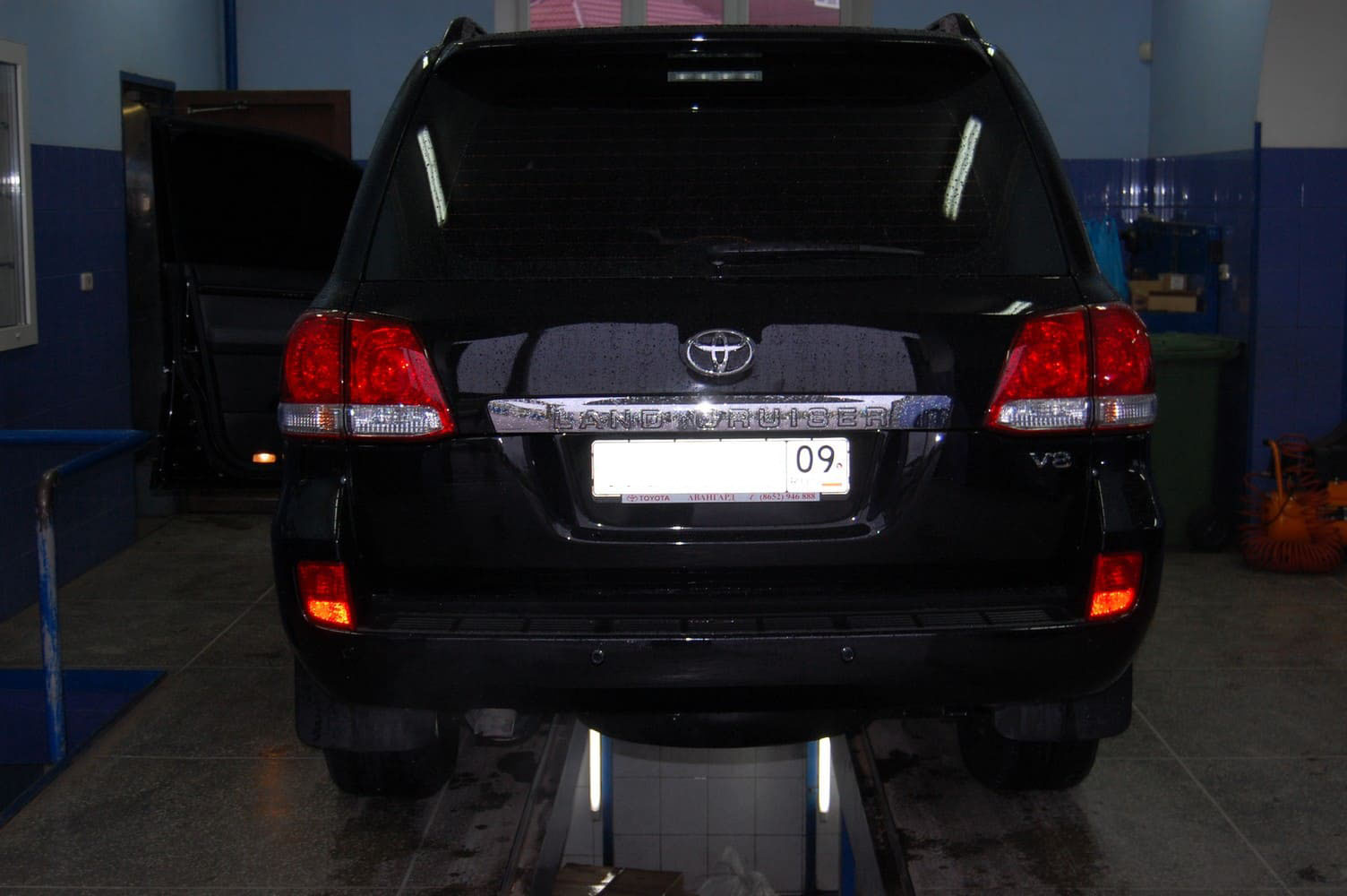 Toyota Land Cruiser 200 Series (2007-2011) 4.5 л.